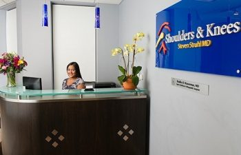 reception desk at Shoulders & Knees Steven Struhl MD